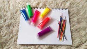 tempera culori neon pensule